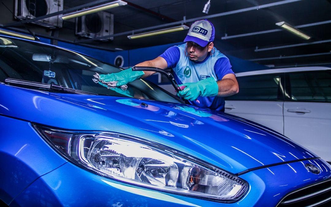 Com qualidade e rapidez, Dryjet oferece serviços de limpeza, polimento e vitrificação